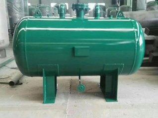 高压蒸汽储气罐